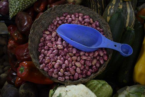 beans market peasant