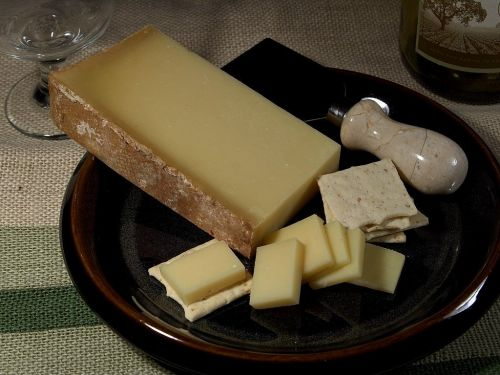 beaufort d'alpage cheese milk product