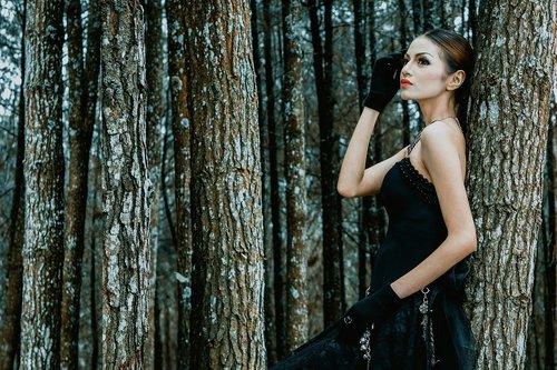 beautiful woman  portrait  fashion
