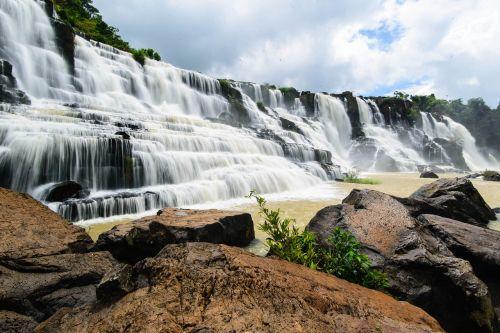 beauty waterfall ponguor the waterfall