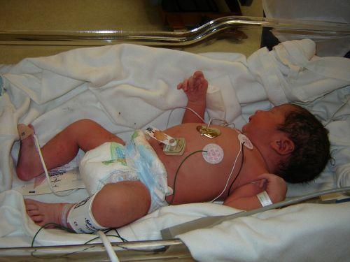 bebe hospital doctor