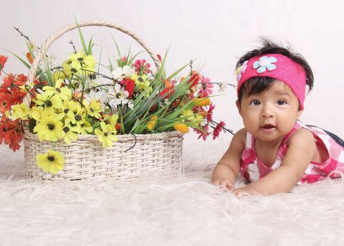 bebe flowers crawling