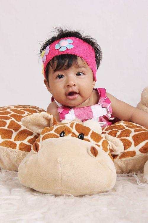 bebe giraffe laughing