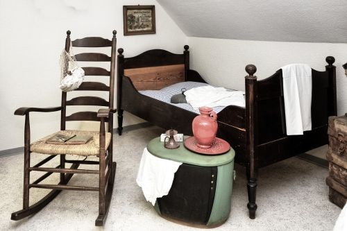 bed rocking chair chest