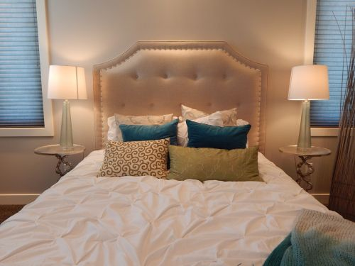bed bedroom head board