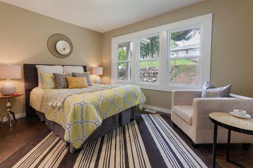 bedroom  bedding  staging