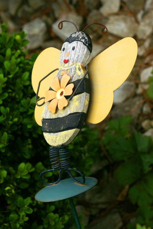 bee deco garden