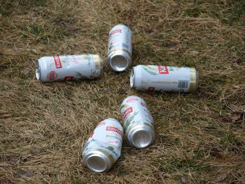 beer cans litter