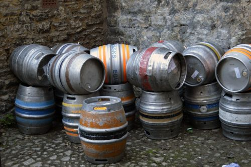 beer barrel pub