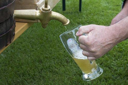beer keg  wheat beer  beer glass