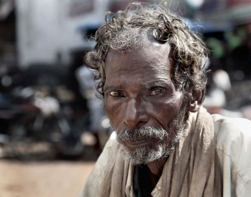 beggar india old