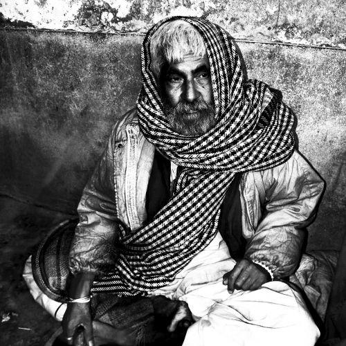 beggar poor man homeless