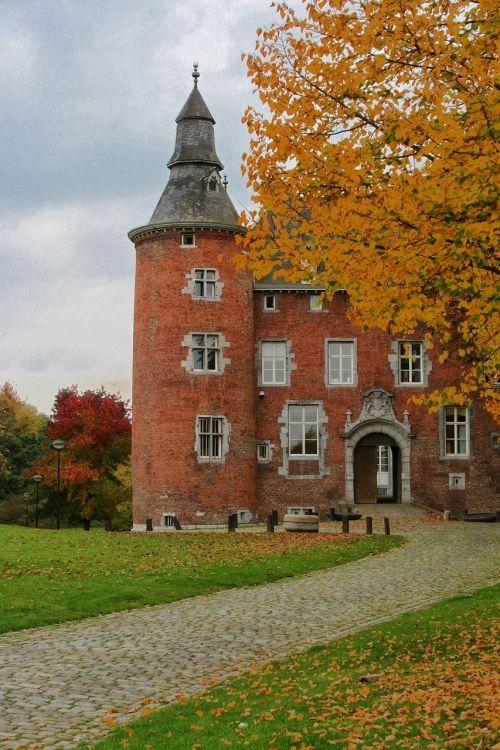 belgium charleroi castle