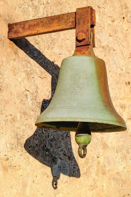 bell rusted rust