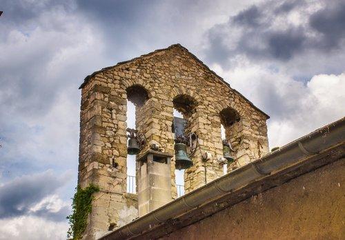 bell tower  gable  eglise