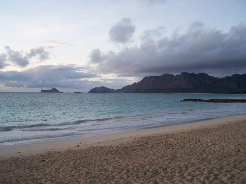 bellows beach morning