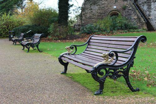 bench park castle