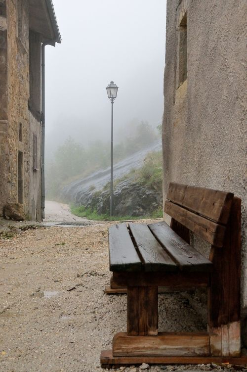 bench glimpse fog