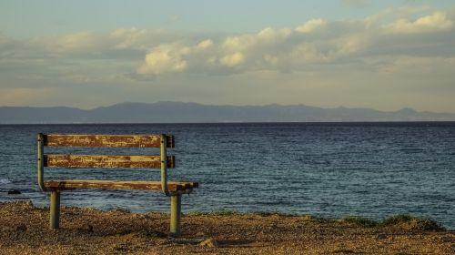 stendas,pajūryje,jūra,horizontas,dangus,debesys,žvilgsnio taškas,jūros dugnas,peizažas,žiema,kapparis,Kipras