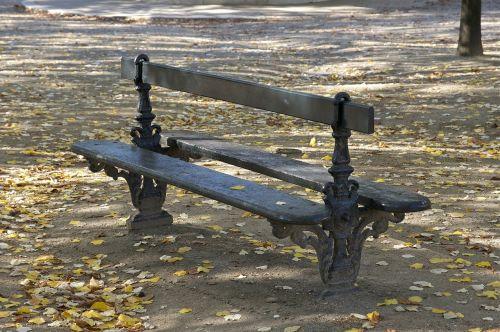 bench luxembourg garden paris
