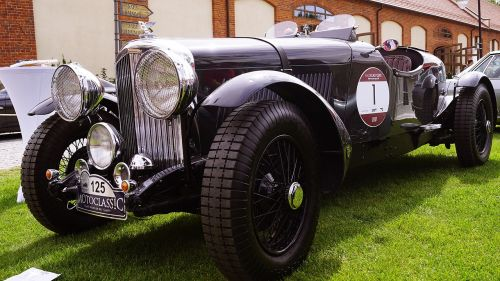 bentley sports old