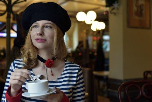 beret  portrait  café