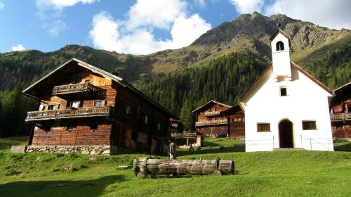 bergdorf mountains alm