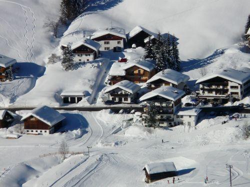 bergdorf village snowy