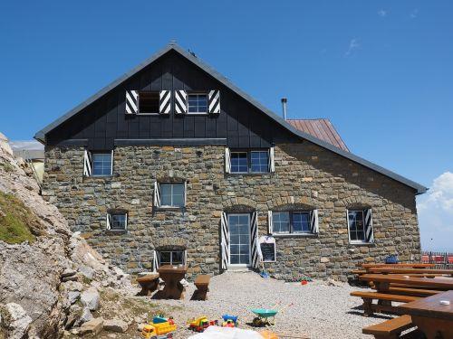 berggasthaus red rock pass inn hut