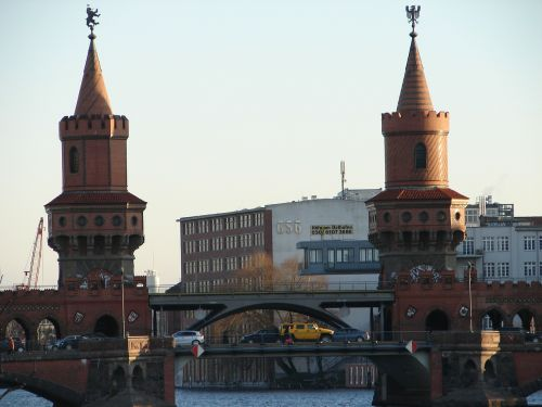 berlin oberbaumbrücke bridge