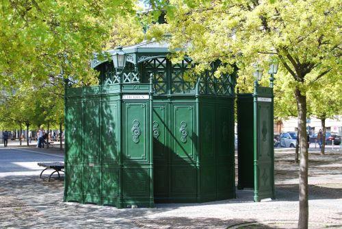 berlin coffee octagon toilet