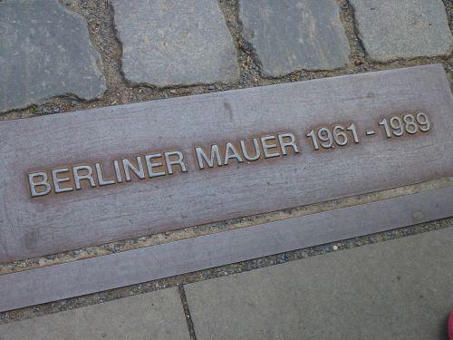 Berlynas,paminklas,atmintis,berlin siena,padalinta Vokietija,ddr,rytinė Vokietija,Vakarų Vokietija