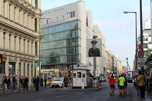 berlin checkpoint charlie berlin wall museum