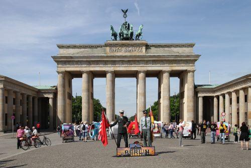 berlin structures brandenburg gate