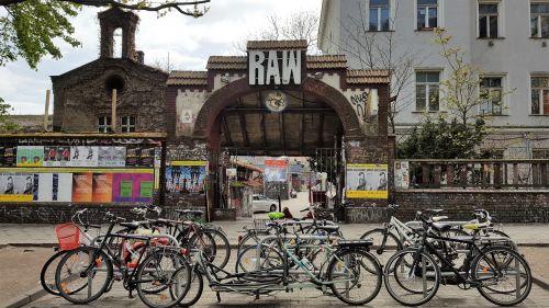 berlin grafitty jumble sale