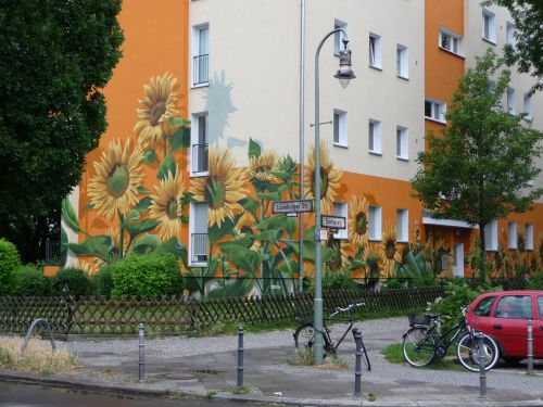 berlin house facade painted house
