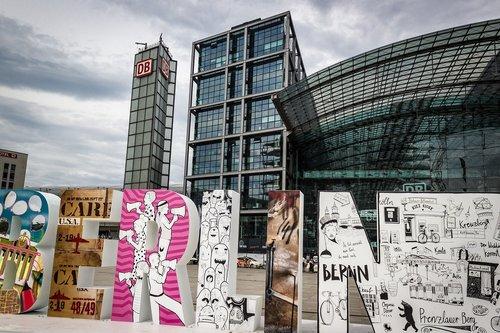 berlin  central station  art