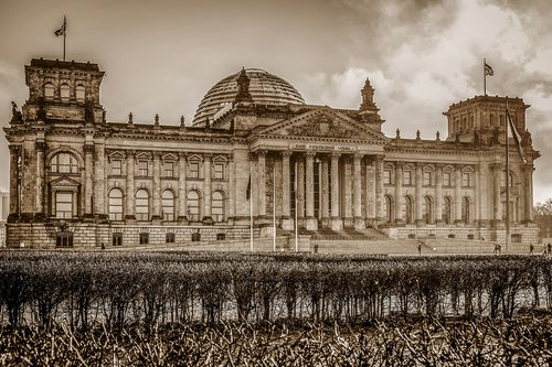 berlin  reichstag  government buildings
