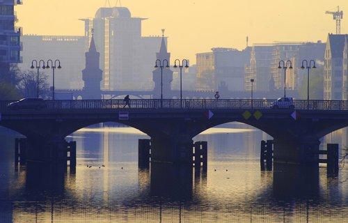berlin  spree  bridge