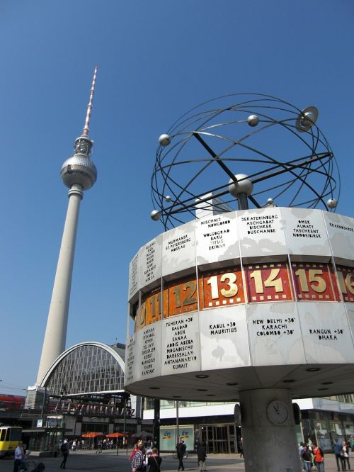 berlin tv tower architecture