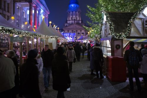 berlin christmas market visitors