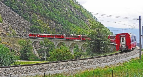 bernina railway sweeping viaduct brusion