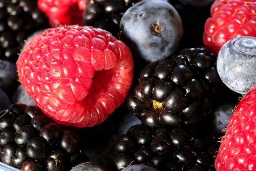 berries raspberries blackberries