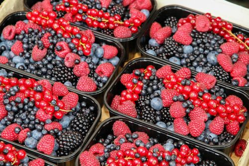berries raspberries fruits