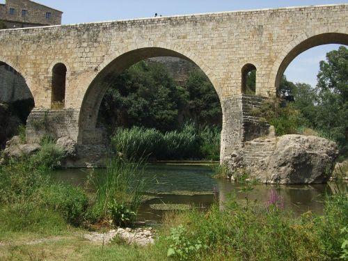 besalú bridge catalonia