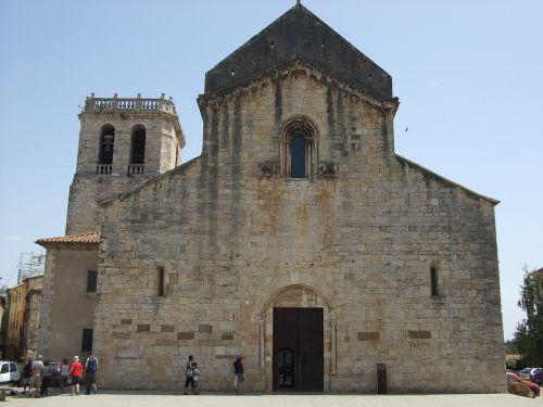 besalú church catalonia
