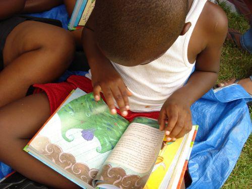 bible read boy