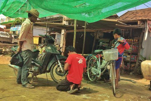 bicycle repairs kratie