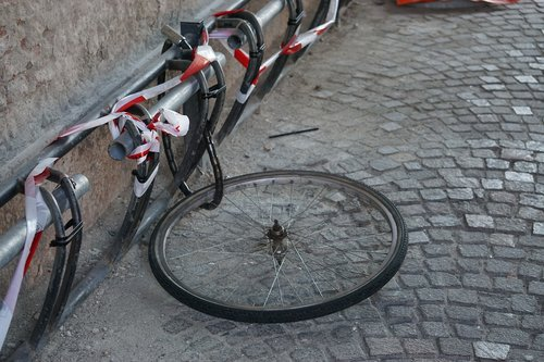 bicycle  ferrara  theft
