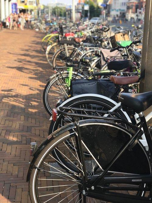 bicycles  holland  scheveningen